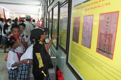 Quang Tri: Trien lam luu dong Hoang Sa, Truong Sa cua Viet Nam - Anh 4