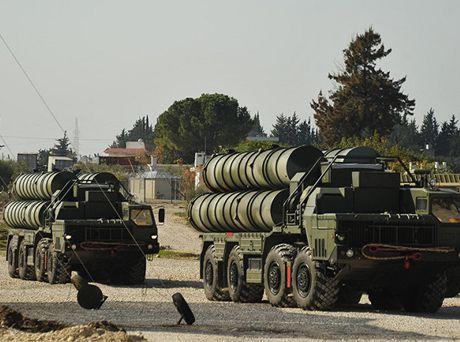 Nga canh bao dung S-400 ban ha, neu may bay My tan cong quan doi Syria - Anh 1