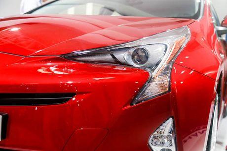 Chi tiet xe Toyota chay 100 km het 2,5 lit xang - Anh 2