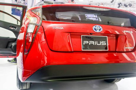 Chi tiet xe Toyota chay 100 km het 2,5 lit xang - Anh 3