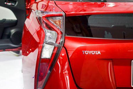 Chi tiet xe Toyota chay 100 km het 2,5 lit xang - Anh 4