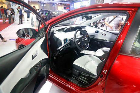 Chi tiet xe Toyota chay 100 km het 2,5 lit xang - Anh 5