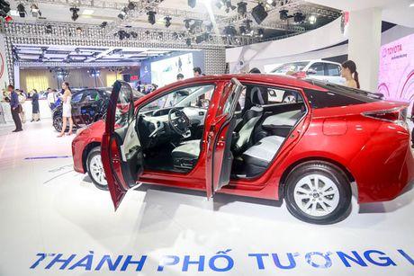 Chi tiet xe Toyota chay 100 km het 2,5 lit xang - Anh 6