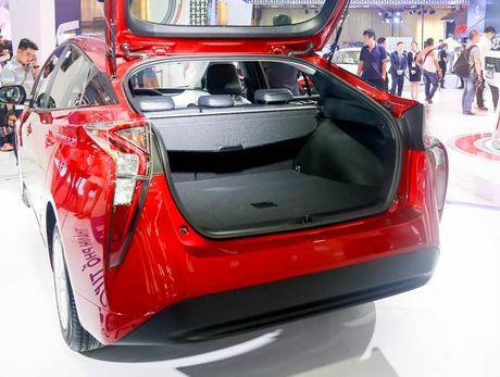 Chi tiet xe Toyota chay 100 km het 2,5 lit xang - Anh 8