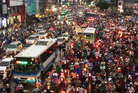 TPHCM: Ket xe khung khiep o cua ngo Sai Gon - Anh 8