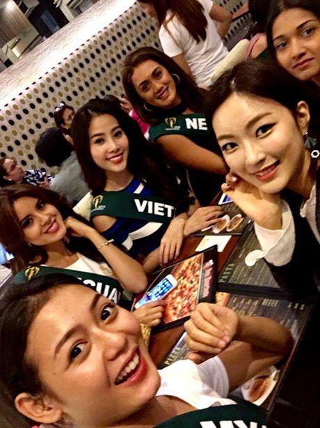 Nhung hoat dong dau tien cua Nam Em tai Miss Earth 2016 - Anh 3