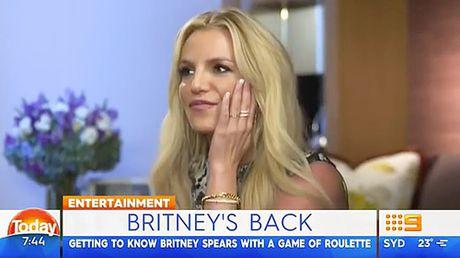 Britney Spears mung vi Brad Pitt da doc than - Anh 1