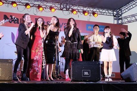 Phuong Ly duoc nguoi ham mo tai Nhat goi la 'my nhan nguoi Viet' - Anh 1
