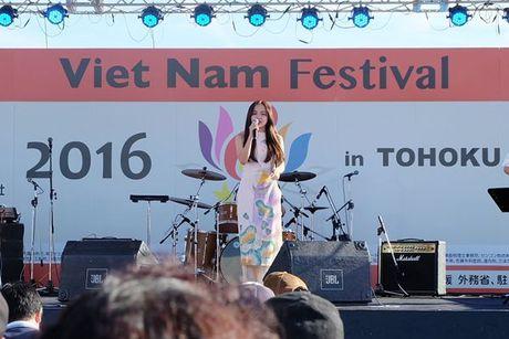 Phuong Ly duoc nguoi ham mo tai Nhat goi la 'my nhan nguoi Viet' - Anh 9