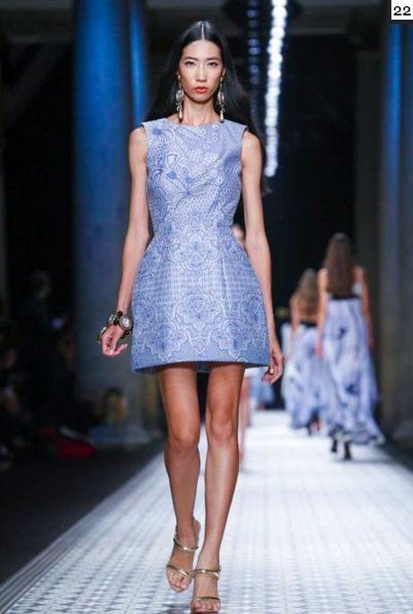 Nguoi mau va tin do thoi trang Viet thay phien nhau 'lam loan' mua Fashion Week Xuan He 2017 - Anh 10