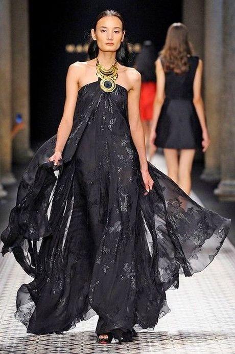 Nguoi mau va tin do thoi trang Viet thay phien nhau 'lam loan' mua Fashion Week Xuan He 2017 - Anh 15