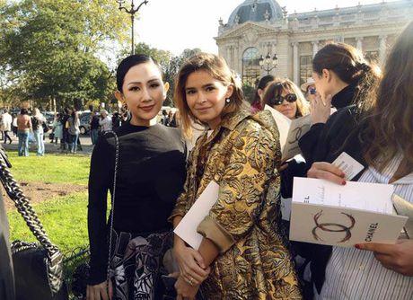 Nguoi mau va tin do thoi trang Viet thay phien nhau 'lam loan' mua Fashion Week Xuan He 2017 - Anh 25