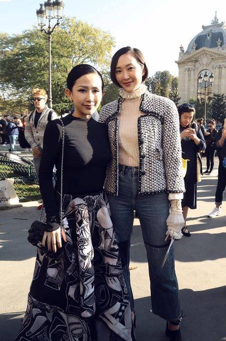 Nguoi mau va tin do thoi trang Viet thay phien nhau 'lam loan' mua Fashion Week Xuan He 2017 - Anh 27