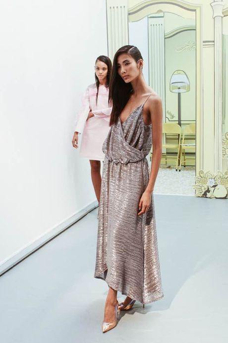 Nguoi mau va tin do thoi trang Viet thay phien nhau 'lam loan' mua Fashion Week Xuan He 2017 - Anh 6