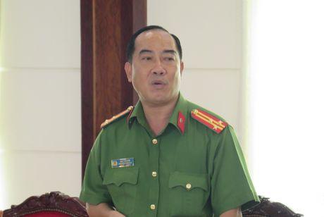 TP.HCM co hon 3.000 khau sung khong phep dang 'troi dat' - Anh 1