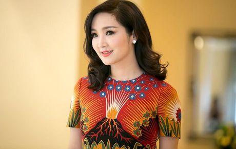 Hoa hau Giang My lam truong ban giam khao Nu hoang da quy Viet Nam 2016 - Anh 1