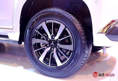 Chi tiet Mitsubishi Pajero Sport Premium vua cap ben Viet Nam - Anh 18