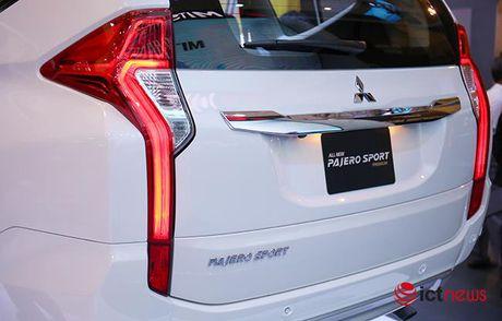 Chi tiet Mitsubishi Pajero Sport Premium vua cap ben Viet Nam - Anh 19