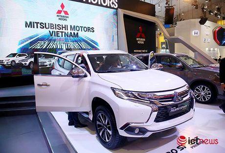 Chi tiet Mitsubishi Pajero Sport Premium vua cap ben Viet Nam - Anh 1