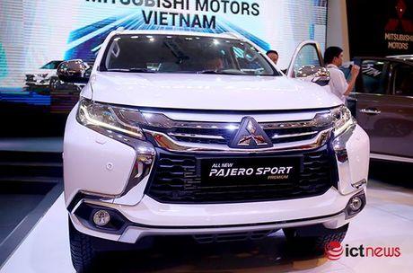 Chi tiet Mitsubishi Pajero Sport Premium vua cap ben Viet Nam - Anh 2