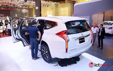 Chi tiet Mitsubishi Pajero Sport Premium vua cap ben Viet Nam - Anh 3