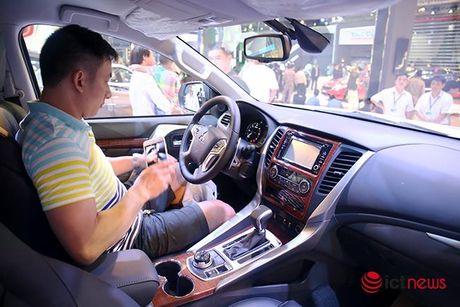 Chi tiet Mitsubishi Pajero Sport Premium vua cap ben Viet Nam - Anh 4