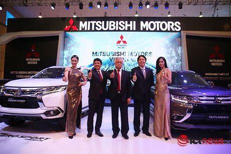 Chi tiet Mitsubishi Pajero Sport Premium vua cap ben Viet Nam - Anh 8
