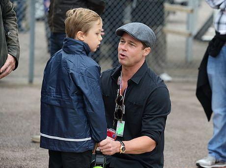 Brad Pitt khoc khi doan tu cac con - Anh 1