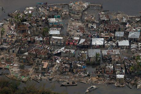 Canh tan hoang nhu thoi chien o Haiti sau bao Matthew - Anh 1