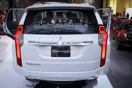 Pajero Sport 2016 gia tu 1,4 ty, canh tranh Toyota Fortuner - Anh 5