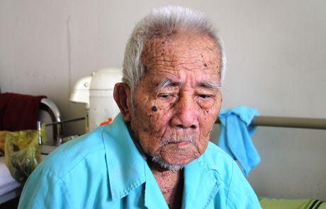 Thay khop hang cho cu ong 100 tuoi - Anh 1