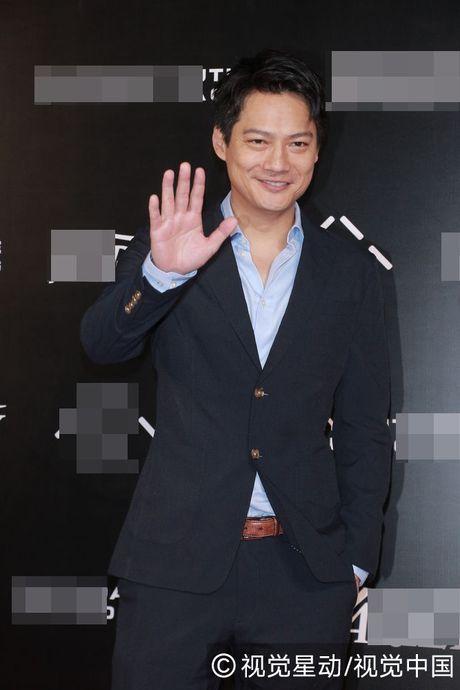 Bao chi dua tin vo chong Chau Tan do vo vi khong co con - Anh 2