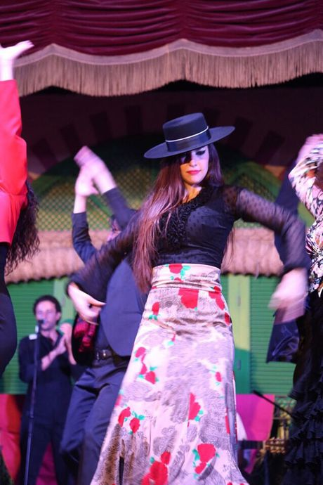 Thuong thuc vu dieu Flamenco nong bong o Tay Ban Nha - Anh 6