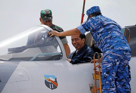 Tong thong Indonesia chi huy tap tran o Bien Dong - Anh 7