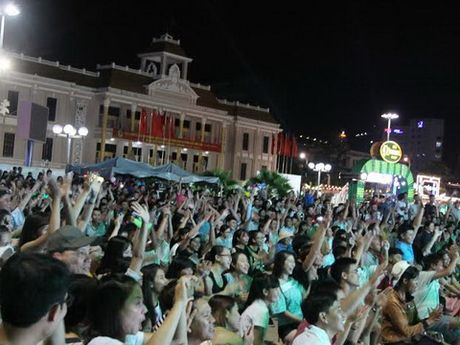 VCK Giai bong da mini phong trao toan quoc – Cup Bia Saigon 2016: Ngay hoi dinh cao cua bong da phong trao - Anh 5