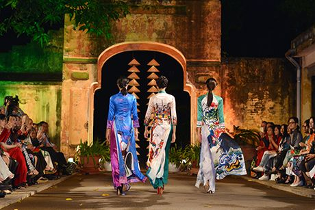 Hoa hau Ngoc Han lan dau dem thiet ke den 'Festival ao dai Ha Noi' - Anh 7