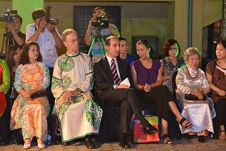 Hoa hau Ngoc Han lan dau dem thiet ke den 'Festival ao dai Ha Noi' - Anh 9