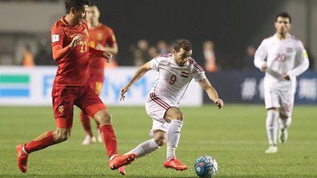Trung Quoc thua soc o vong loai World Cup 2018, HLV sap bi sa thai - Anh 4