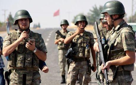Tho Nhi Ky ly giai ve viec dieu quan doi den gan Mosul (Iraq) - Anh 1