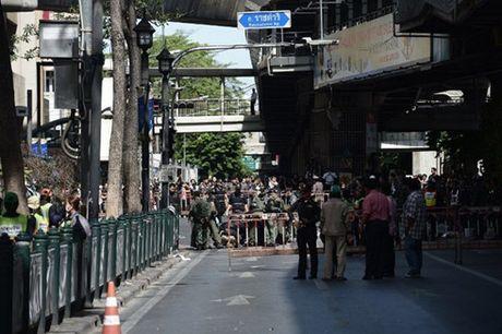 Thai Lan bat giu 3 nguoi nuoc ngoai nghi lien quan toi khung bo - Anh 1