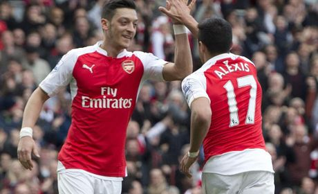 Sanchez va Oezil nen gan bo lau dai voi Arsenal - Anh 1