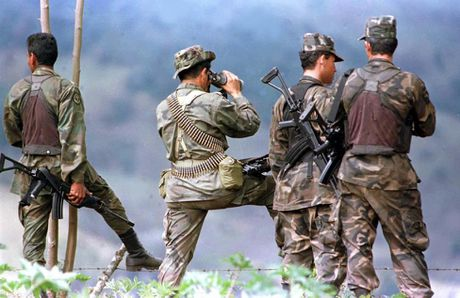Chum anh ve cuoc noi day cua FARC o Colombia - Anh 3