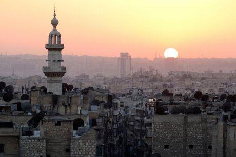 Toan canh Aleppo tan hoang sau hai tuan hung mua bom bao dan - Anh 11