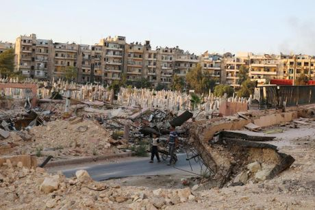 Toan canh Aleppo tan hoang sau hai tuan hung mua bom bao dan - Anh 2