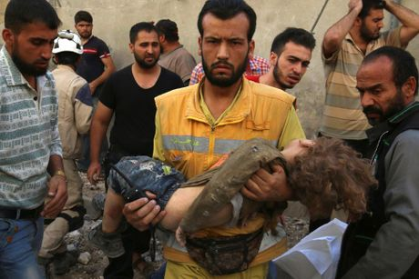 Toan canh Aleppo tan hoang sau hai tuan hung mua bom bao dan - Anh 3