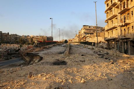 Toan canh Aleppo tan hoang sau hai tuan hung mua bom bao dan - Anh 5