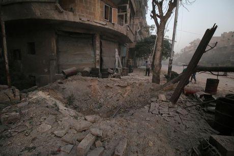Toan canh Aleppo tan hoang sau hai tuan hung mua bom bao dan - Anh 7