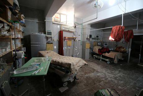 Toan canh Aleppo tan hoang sau hai tuan hung mua bom bao dan - Anh 8
