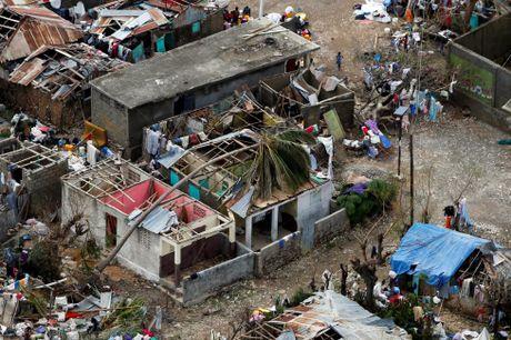 Haiti tan hoang sau sieu bao Matthew nhin tu tren cao - Anh 1