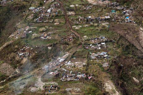 Haiti tan hoang sau sieu bao Matthew nhin tu tren cao - Anh 2